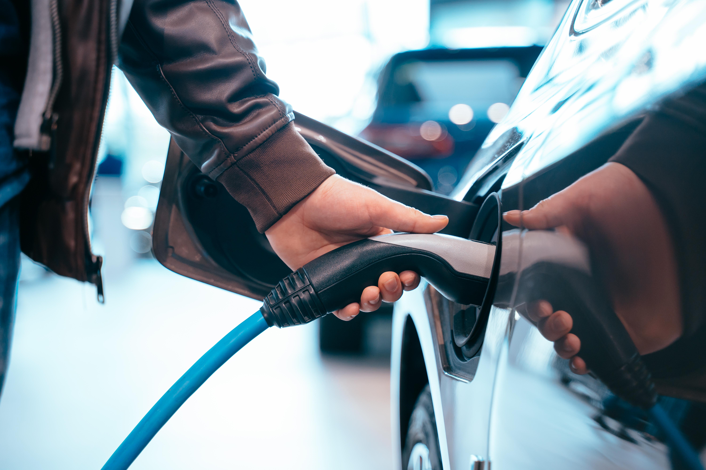 auto elettrica un'opportunità di crescita